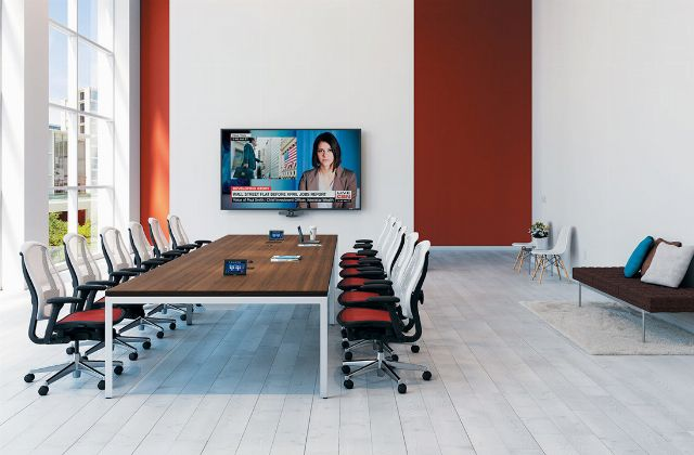 Key Considerations when Choosing Meeting Room Technology